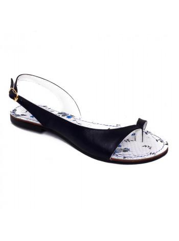 Босоножки женские на низком каблуке